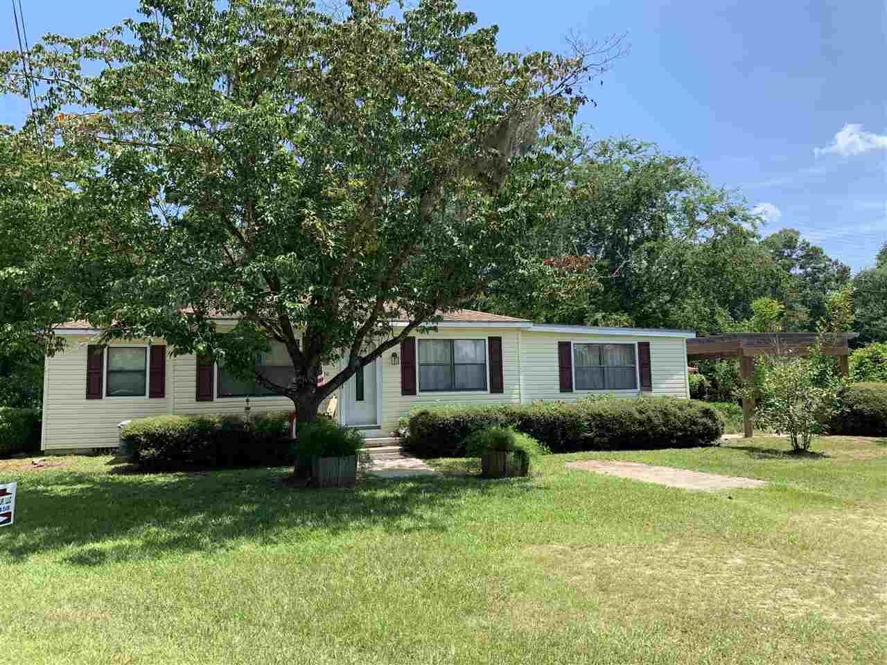 226 NW Leggett Avenue, Greenville, FL 32331 - MLS#: 321310