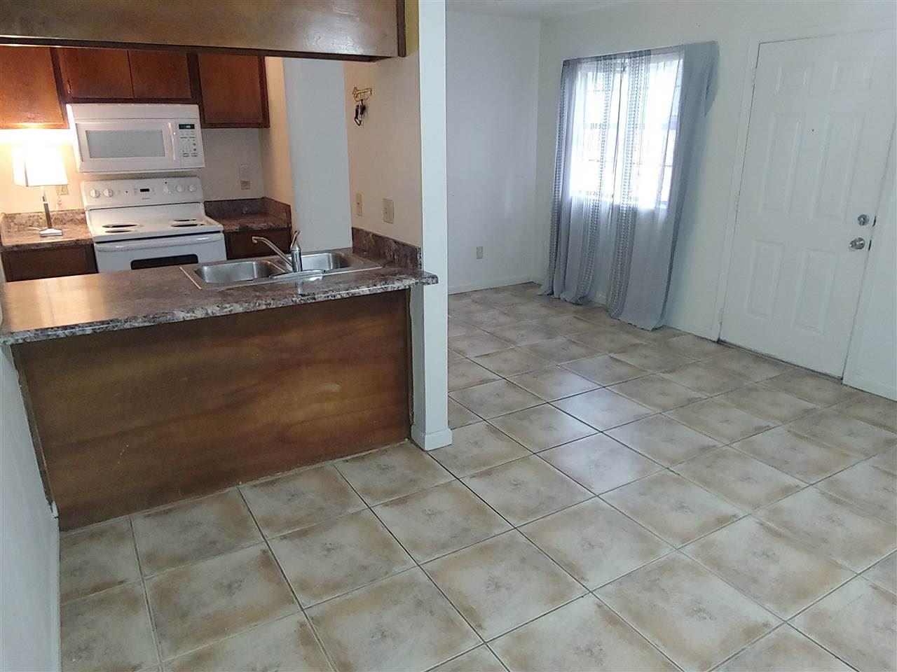 Photo of 828 W Carolina Street #1, TALLAHASSEE, FL 32304 (MLS # 327346)