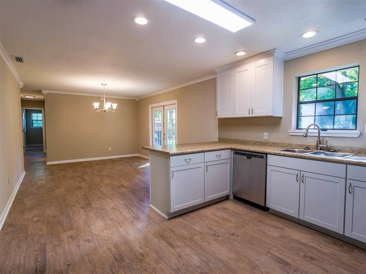 Photo of 2045 Queenswood Drive, TALLAHASSEE, FL 32303 (MLS # 323378)