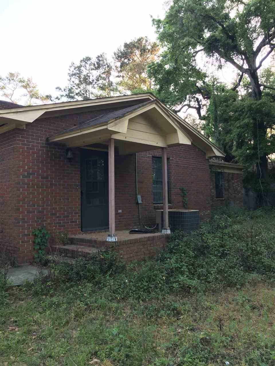Photo of 236 BERMUDA Road, TALLAHASSEE, FL 32312 (MLS # 317479)