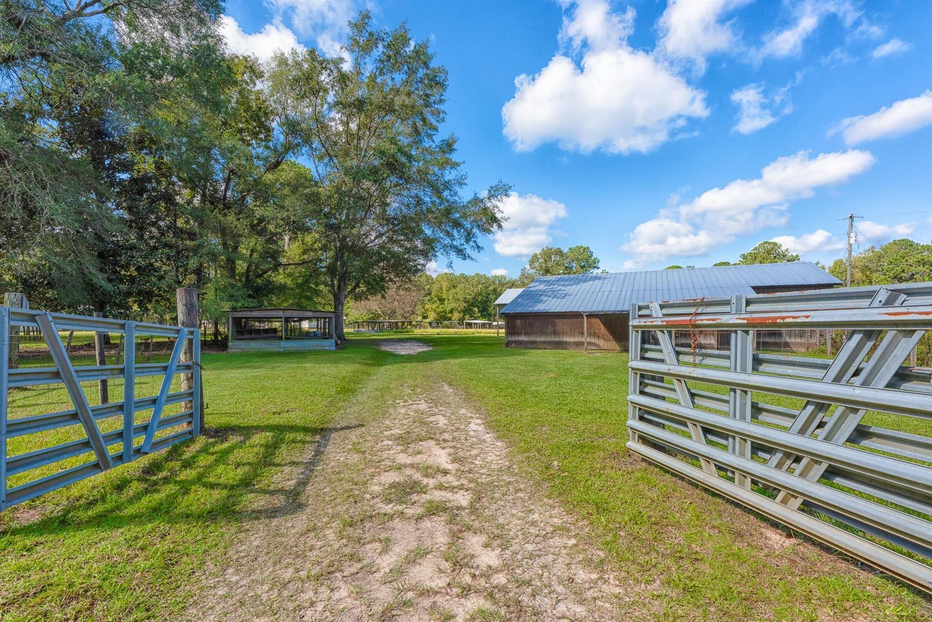 Photo of 305 Finelli Lane, QUINCY, FL 32351 (MLS # 338481)