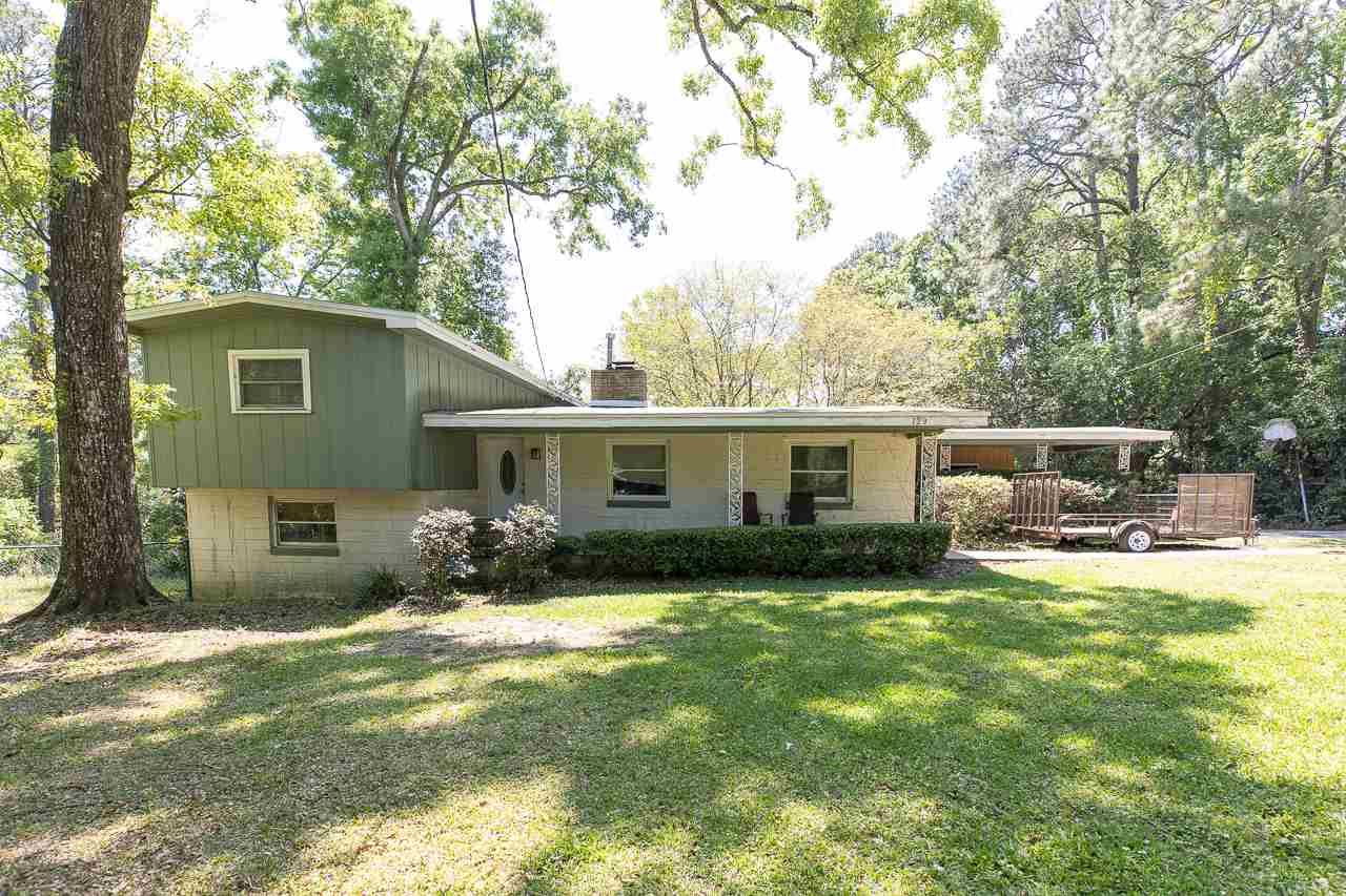 Photo of 729 Monticello Drive, TALLAHASSEE, FL 32303 (MLS # 330673)