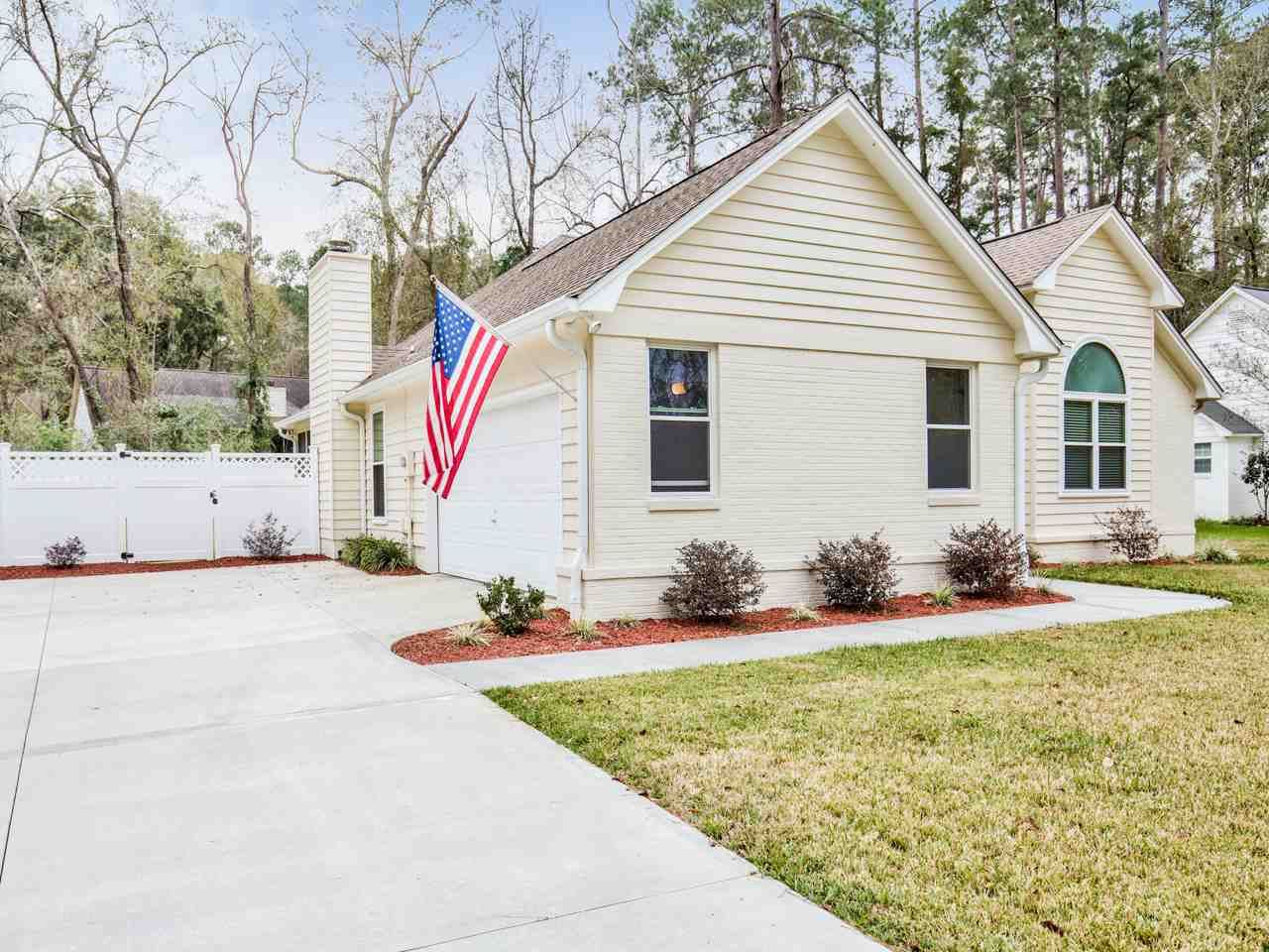 Photo of 1612 Copperfield Circle, TALLAHASSEE, FL 32312 (MLS # 315723)
