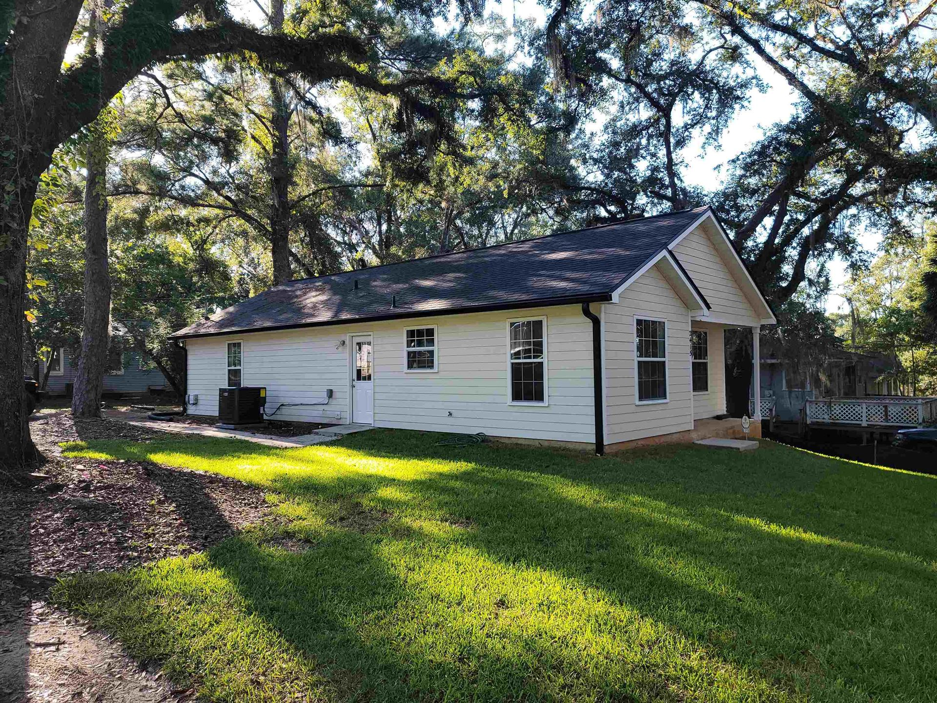 Photo of 2415 COUNTRY CLUB Drive, TALLAHASSEE, FL 32301 (MLS # 337723)