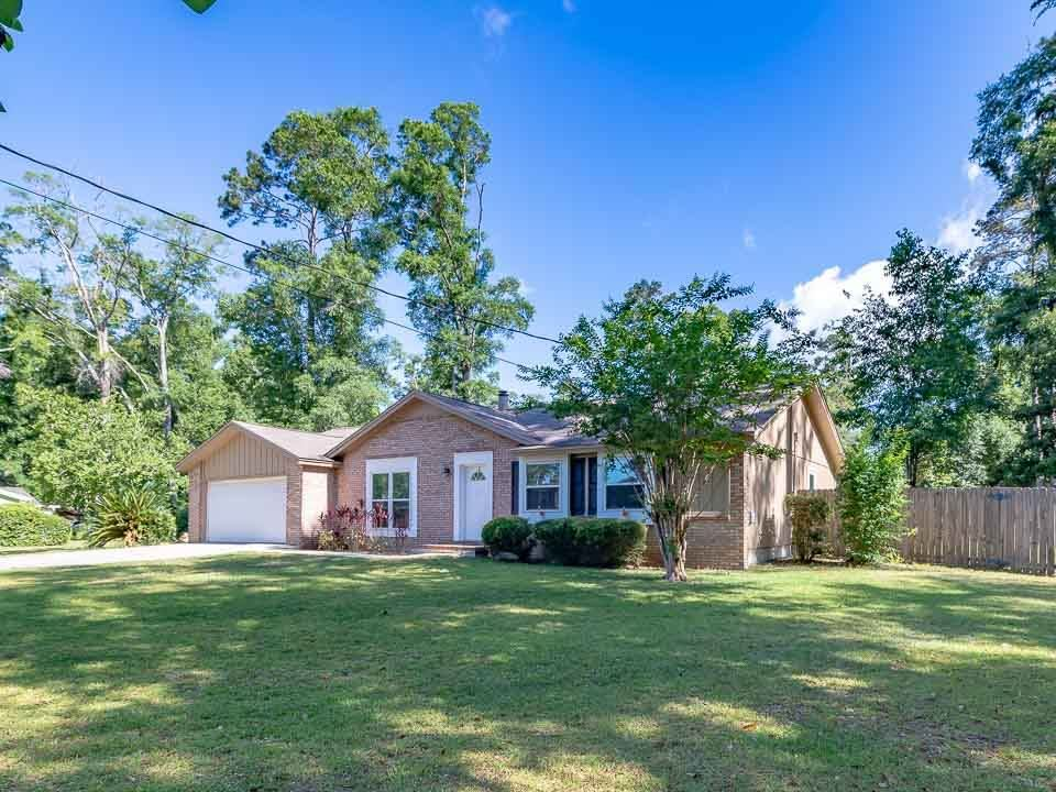 Photo of 246 Dolphin Court, TALLAHASSEE, FL 32312 (MLS # 319737)