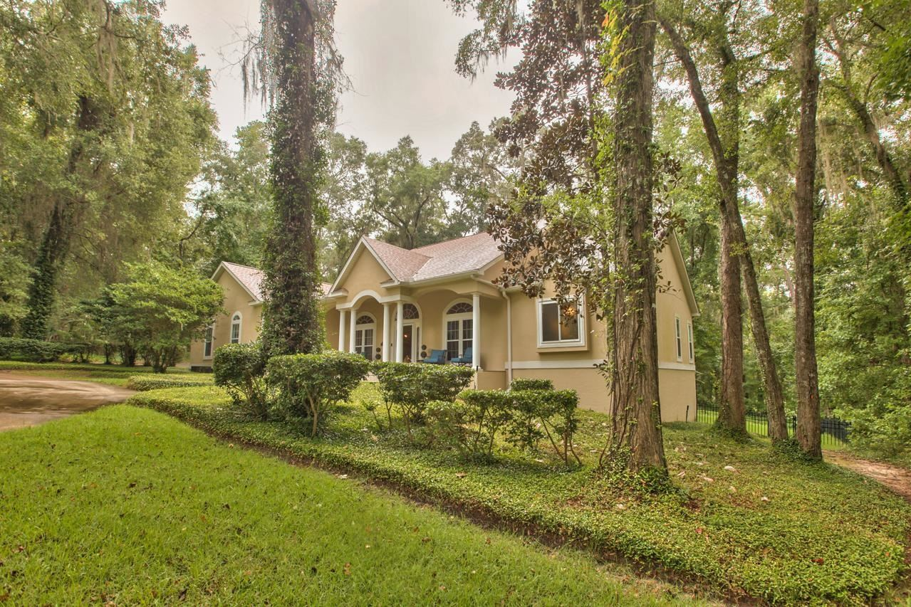 Photo of 1110 W Conservancy Dr, TALLAHASSEE, FL 32312 (MLS # 336817)