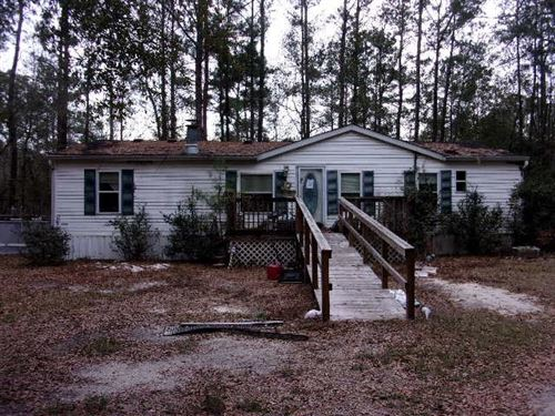 Photo of 19243 NORTH BY NORTHWEST RD, TALLAHASSEE, FL 32310 (MLS # 314840)
