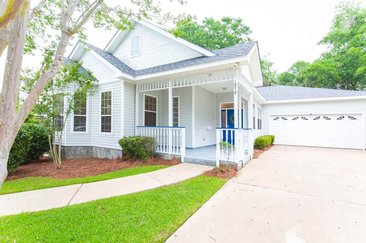 Photo of 1979 Mallory Square, TALLAHASSEE, FL 32308 (MLS # 330929)