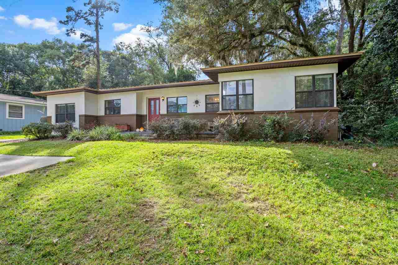 Photo of 2064 W Forest Drive, TALLAHASSEE, FL 32303 (MLS # 324987)
