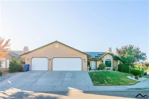 Photo of 1300 Crosspoint Court, Red Bluff, CA 96080 (MLS # 20201030)