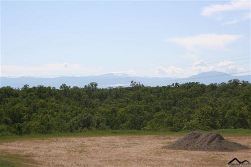 Photo of 18663 Saddleback Ridge Lp., Cottonwood, CA 96022 (MLS # 20191074)