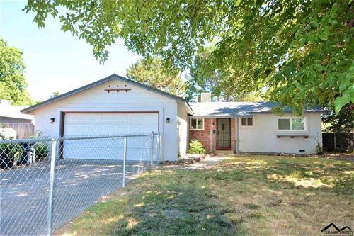Photo of 1585 Valerie Way, Red Bluff, CA 96080 (MLS # 20200577)