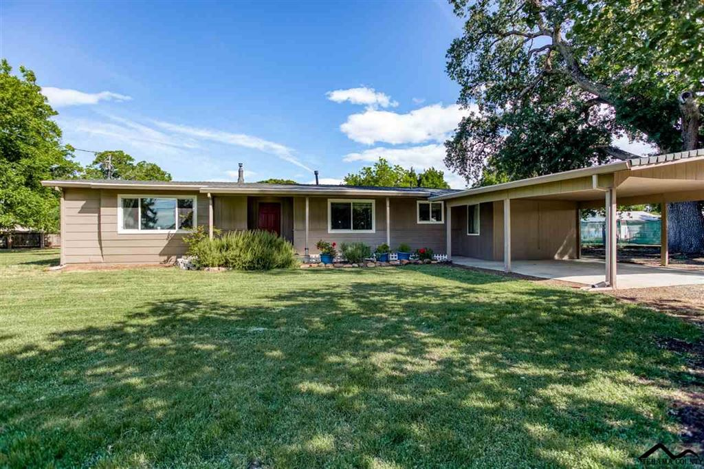 Photo for 23140 Hogsback Road, Red Bluff, CA 96080 (MLS # 20190631)