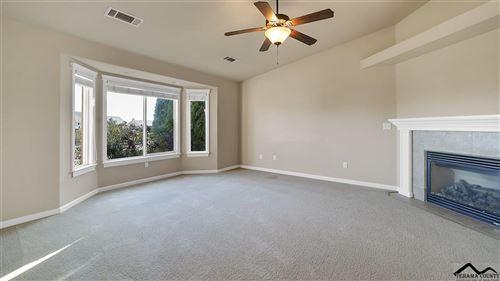 Photo of 1324 Donita Drive, Red Bluff, CA 96080 (MLS # 20200975)