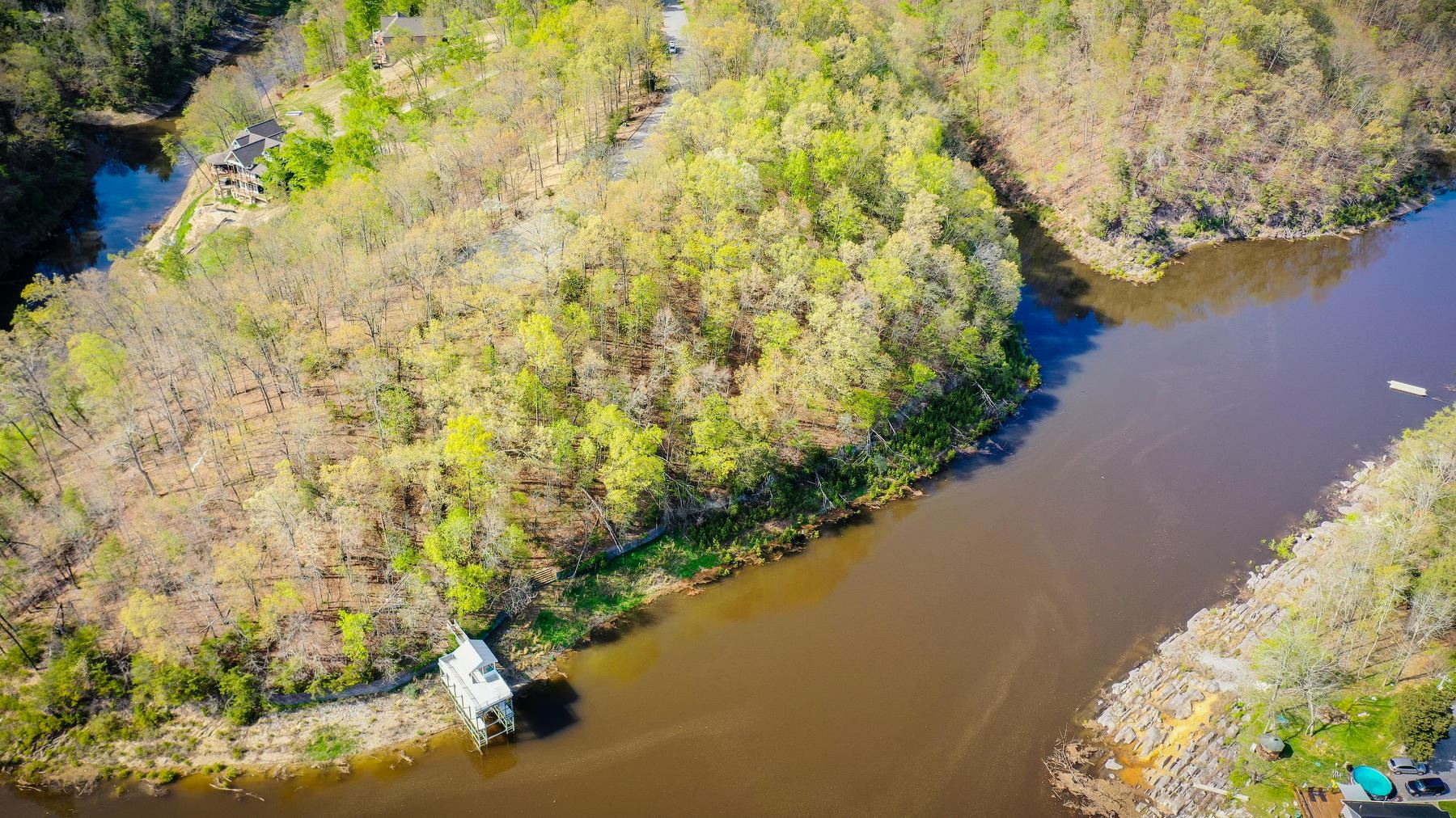 Photo of 121 Pointe Drive, Piney Flats, TN 37686 (MLS # 9922263)