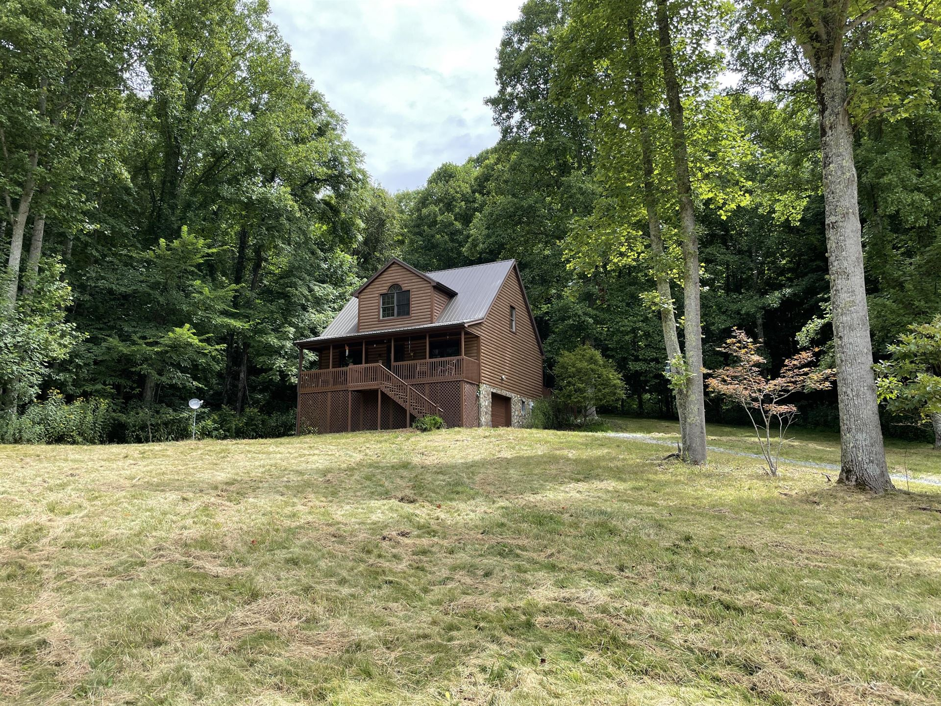 Photo of 103 Meadow Springs Court, Flag Pond, TN 37657 (MLS # 9927278)