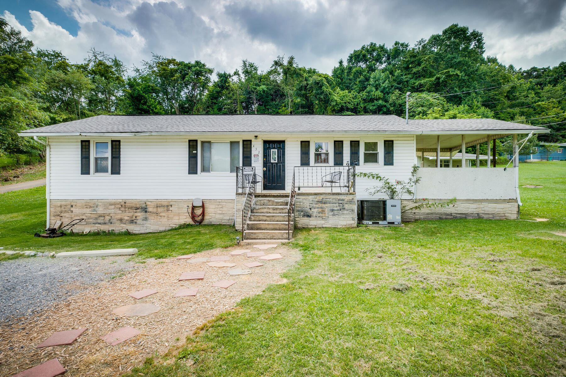 Photo of 453 Independence Drive, Kingsport, TN 37660 (MLS # 9924475)