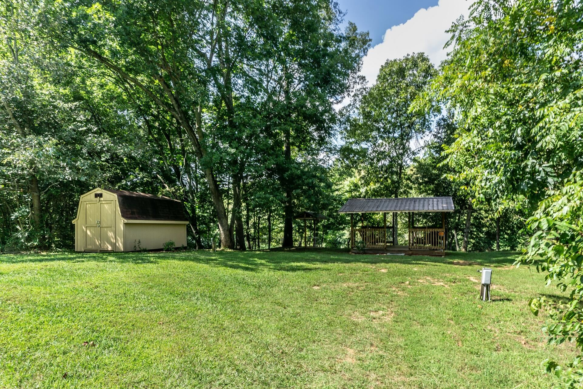 Photo of 7236 Old Asheville Hwy Highway, Greeneville, TN 37743 (MLS # 9928497)