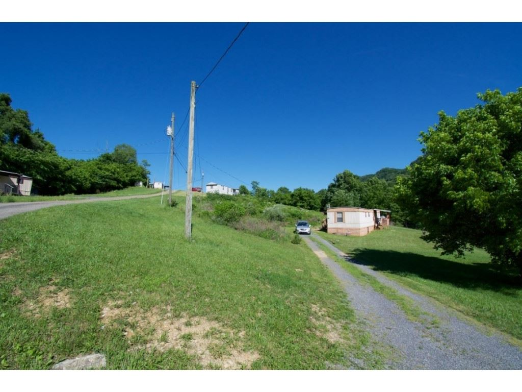 Photo of 170 Long Bow Drive #6, Gate City, VA 24251 (MLS # 9918506)