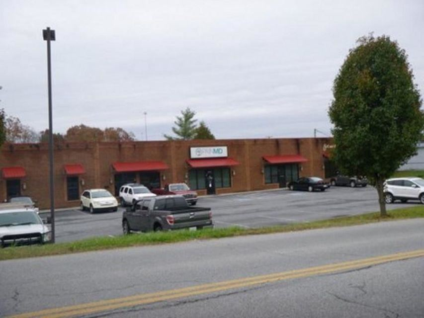 Photo of 1700 Pinebrook Drive #0, Kingsport, TN 37660 (MLS # 9926541)