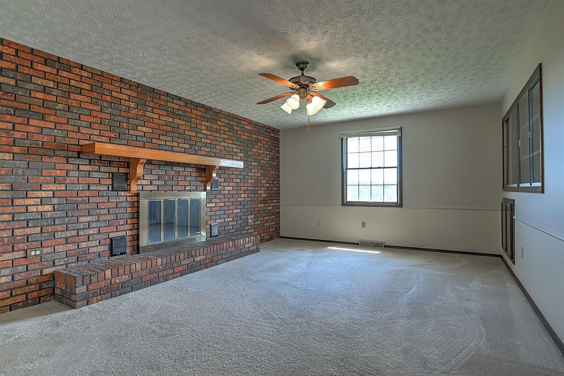 Photo of 1013 Independence Avenue, Mount Carmel, TN 37645 (MLS # 9921622)