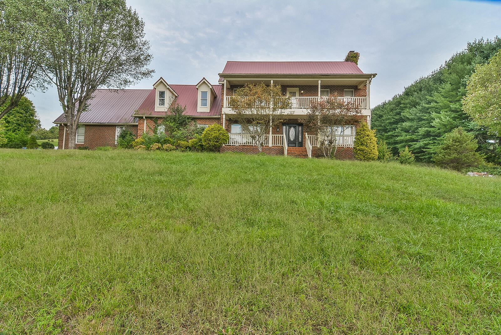 Photo of 2530 North Holston River Drive Extension, Kingsport, TN 37660 (MLS # 9928652)