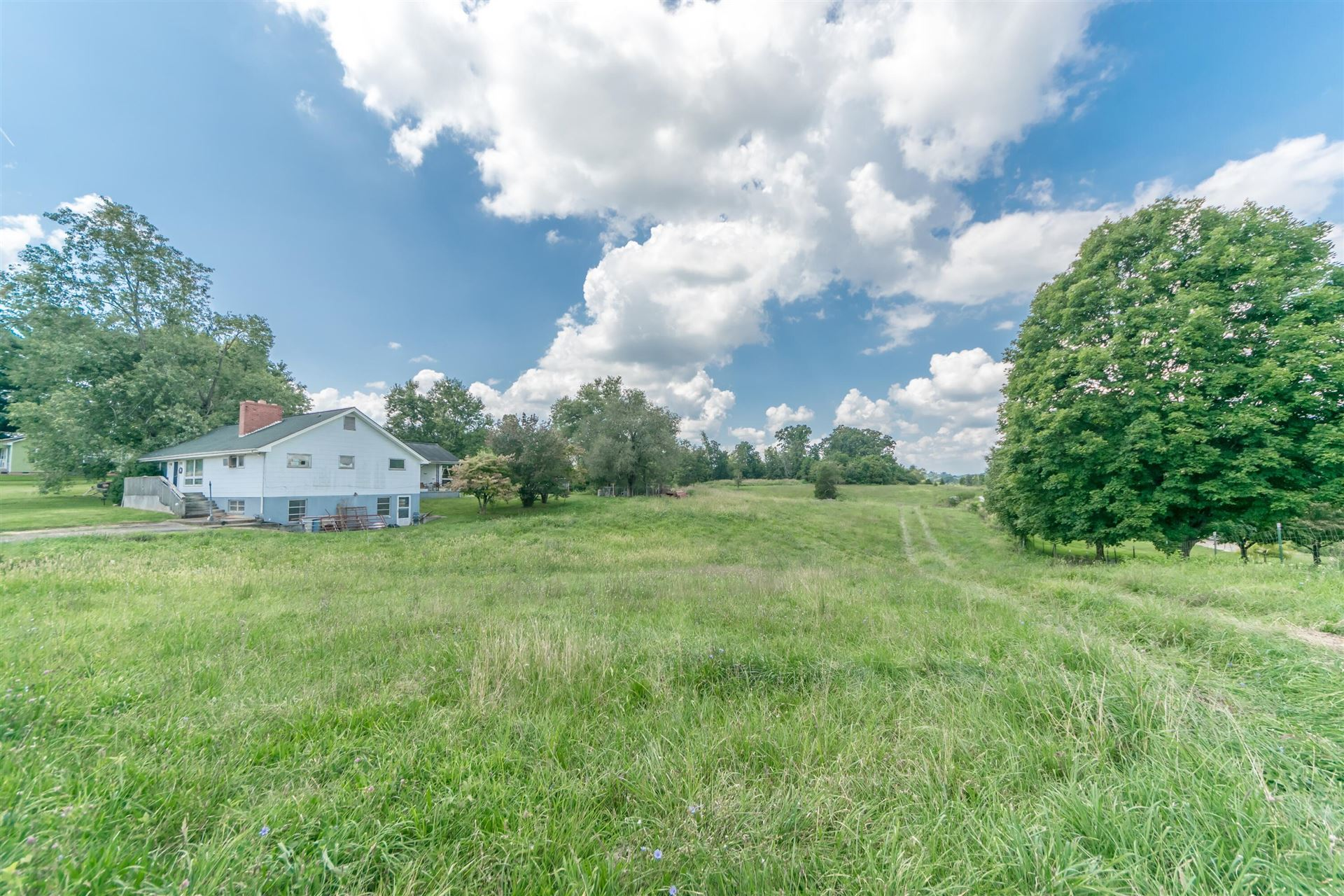 Photo of 229 Old Stage Road, Gray, TN 37615 (MLS # 9928717)