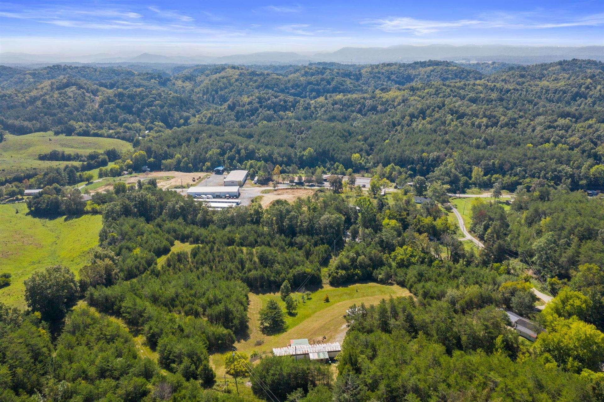 Photo of 841 Guffy Hollow Road, Sevierville, TN 37876 (MLS # 9928721)