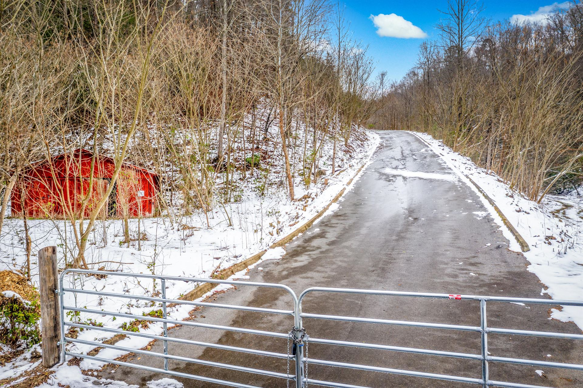 Photo of 2481 Happy Hollow Road, Sevierville, TN 37862 (MLS # 9916759)