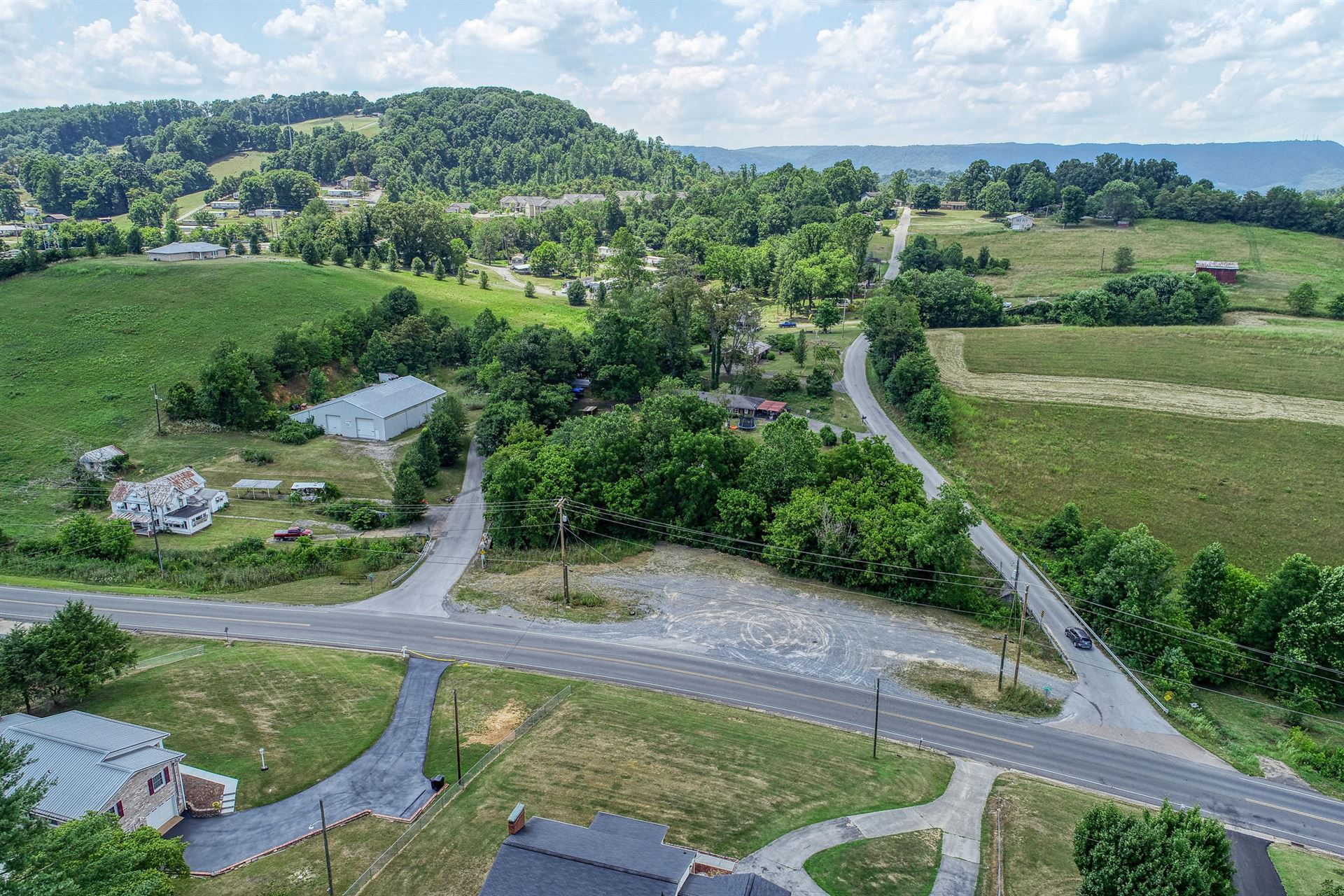Photo of 956 Rock Springs Road, Kingsport, TN 37664 (MLS # 9910767)