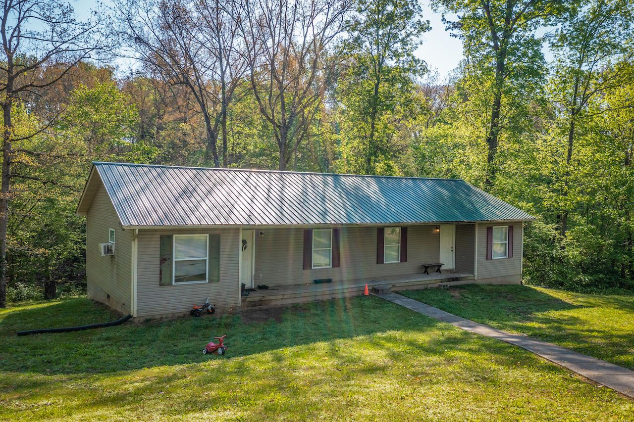 Photo of 5525 Spencer Hale Road, Morristown, TN 37813 (MLS # 9921779)