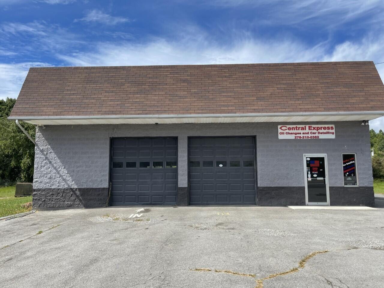 Photo of 118 Southwest Washington Road, Wise, VA 24293 (MLS # 9928805)