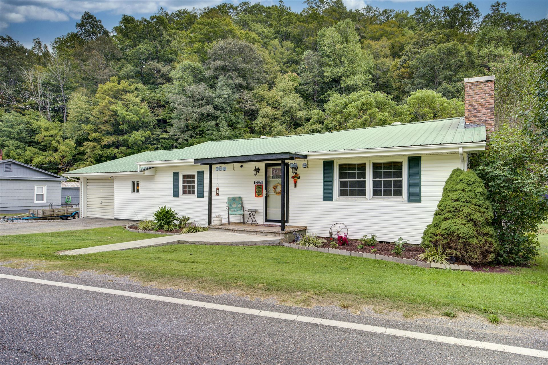 Photo of 13074 Clinch River Highway, Fort Blackmore, VA 24250 (MLS # 9928902)
