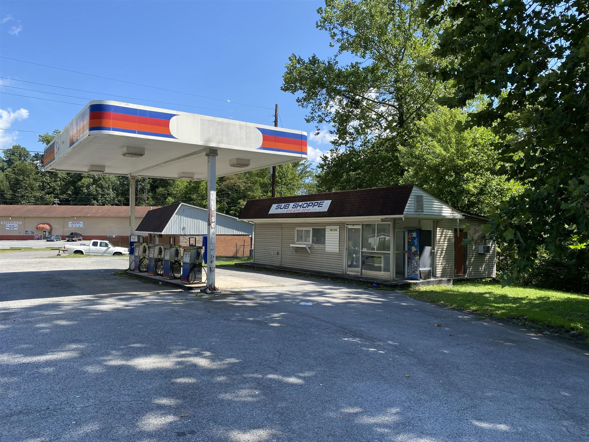 Photo of 530 Northeast Park Avenue, Norton, VA 24273 (MLS # 9911907)
