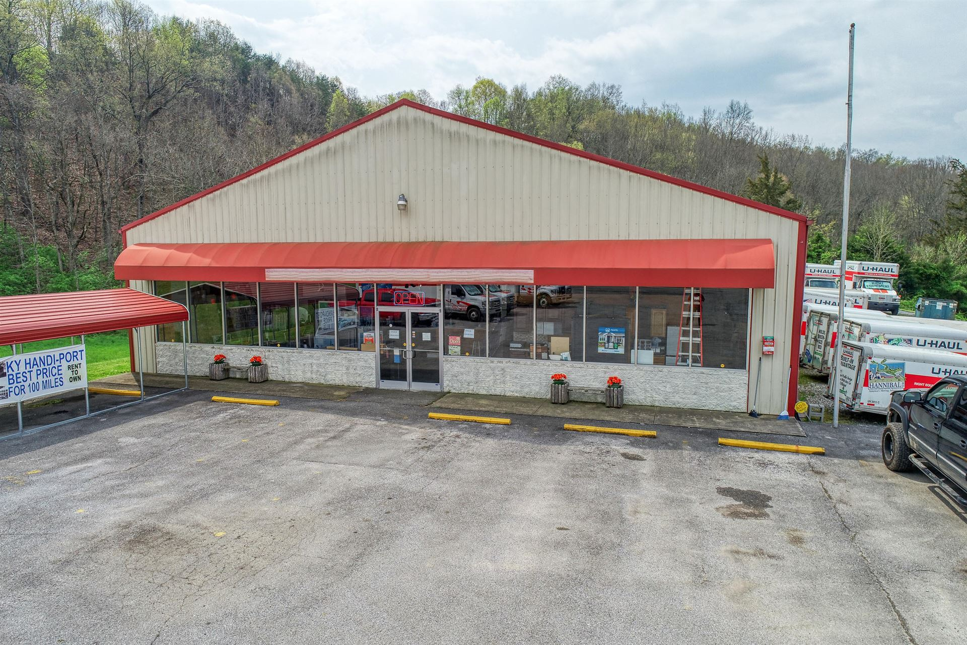 Photo of 4185 West Andrew Johnson Highway, Greeneville, TN 37743 (MLS # 9920966)