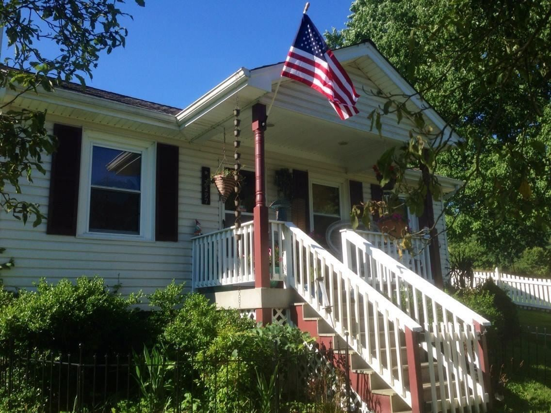 Photo of 2397 Robinette Valley Road, Duffield, VA 24244 (MLS # 9927975)