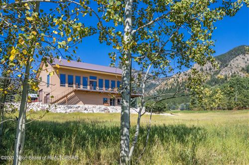 Photo of 556 VISTA WEST DR, Star Valley Ranch, WY 83127 (MLS # 21-3371)
