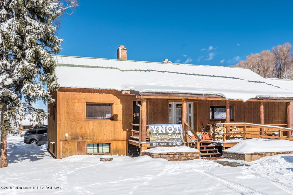 Photo of 639 S PINE ST, Pinedale, WY 82941 (MLS # 20-2913)