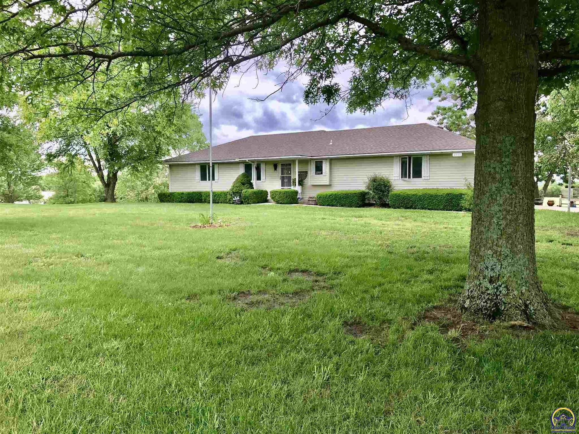 Photo for 4335 NW 35th ST, Topeka, KS 66618 (MLS # 219379)