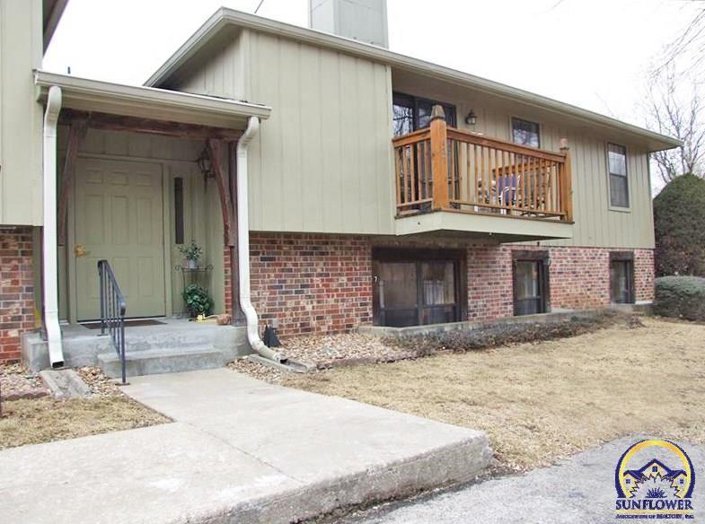 Photo for 5603 SW Foxcroft South CIR, Topeka, KS 66614 (MLS # 199430)