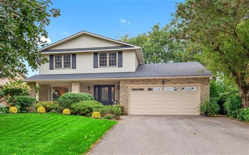 Photo of 15 Cheval Dr, Grimsby, ON L3M 4P3 (MLS # X5404036)