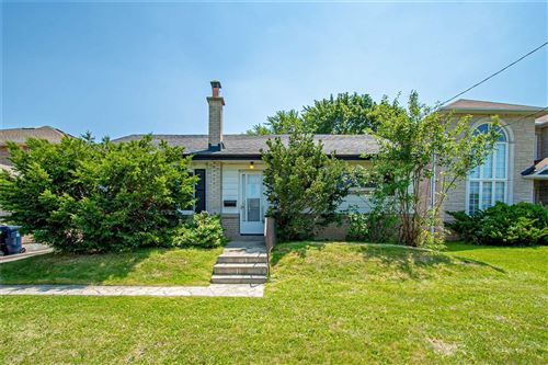 Photo of 19 Southlawn Dr, Toronto, ON M1S1H7 (MLS # E5320080)