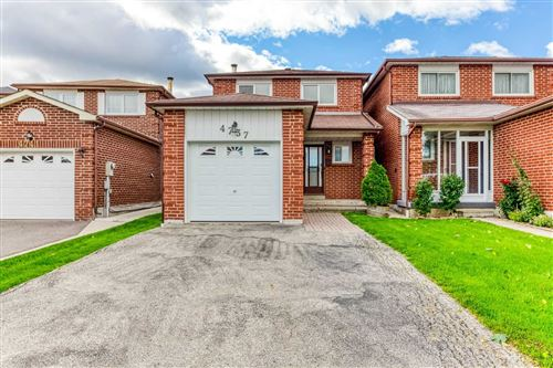 Photo of 4737 Empire  Cres, Mississauga, ON L5R1M6 (MLS # W5377166)