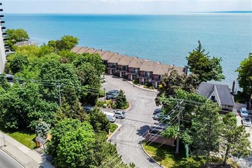 Photo of 2136 Old Lakeshore Rd #5, Burlington, ON L7R1A3 (MLS # W5261190)