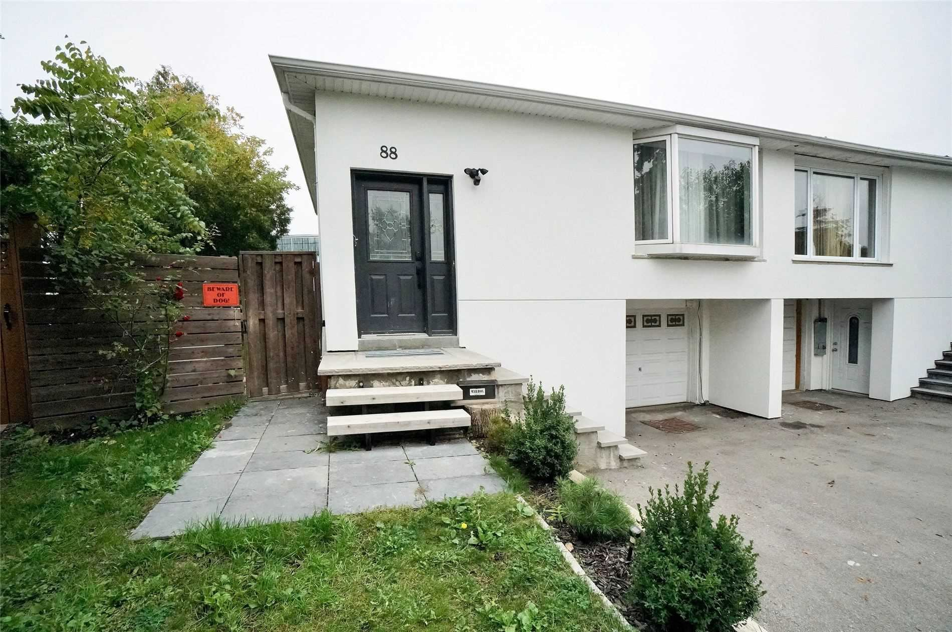 88 Surbray Grve, Mississauga, ON L5B2E1 - MLS#: W5401197