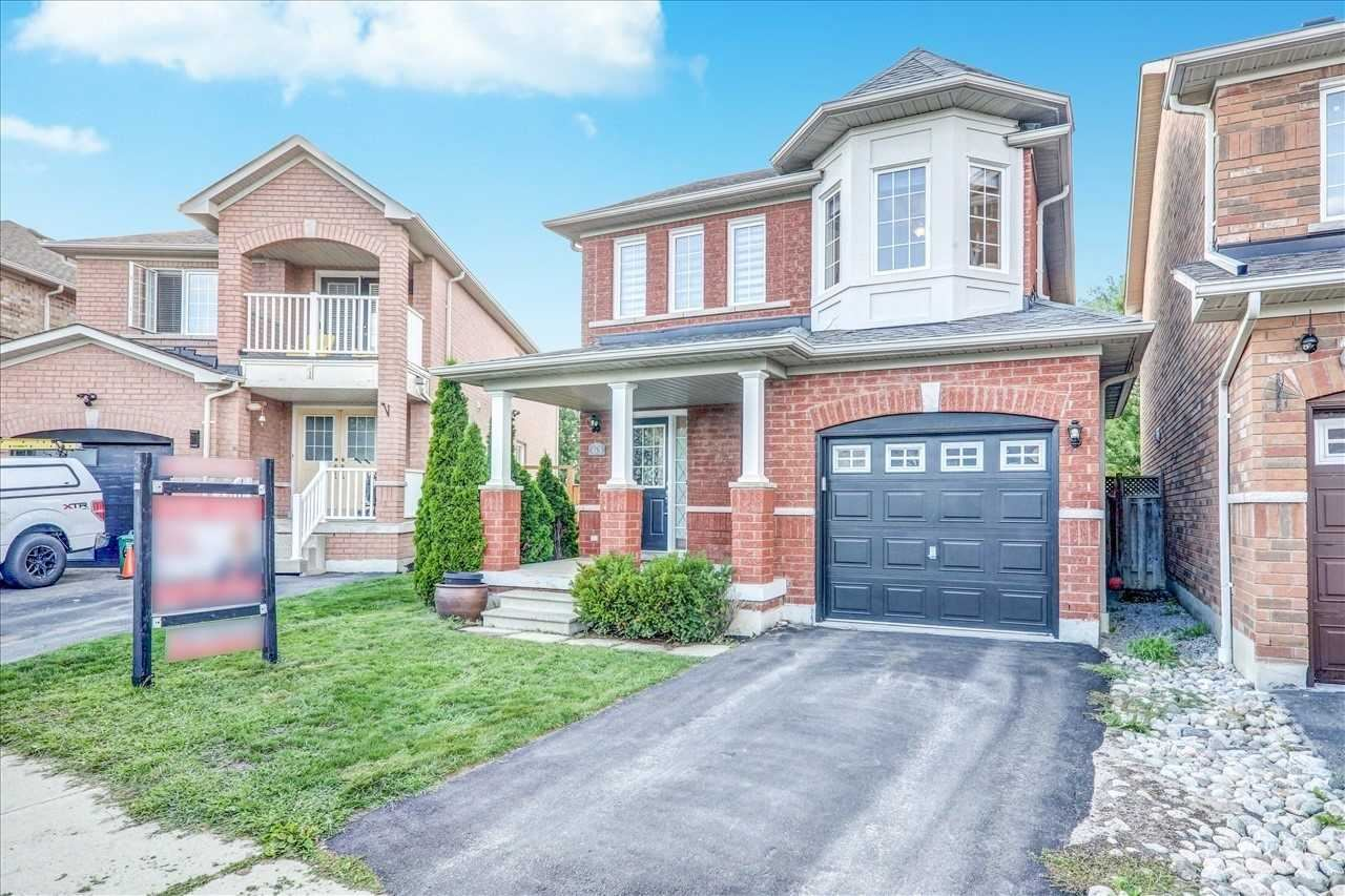 Photo of 63 Presley Cres, Whitby, ON L1P1V2 (MLS # E5325270)