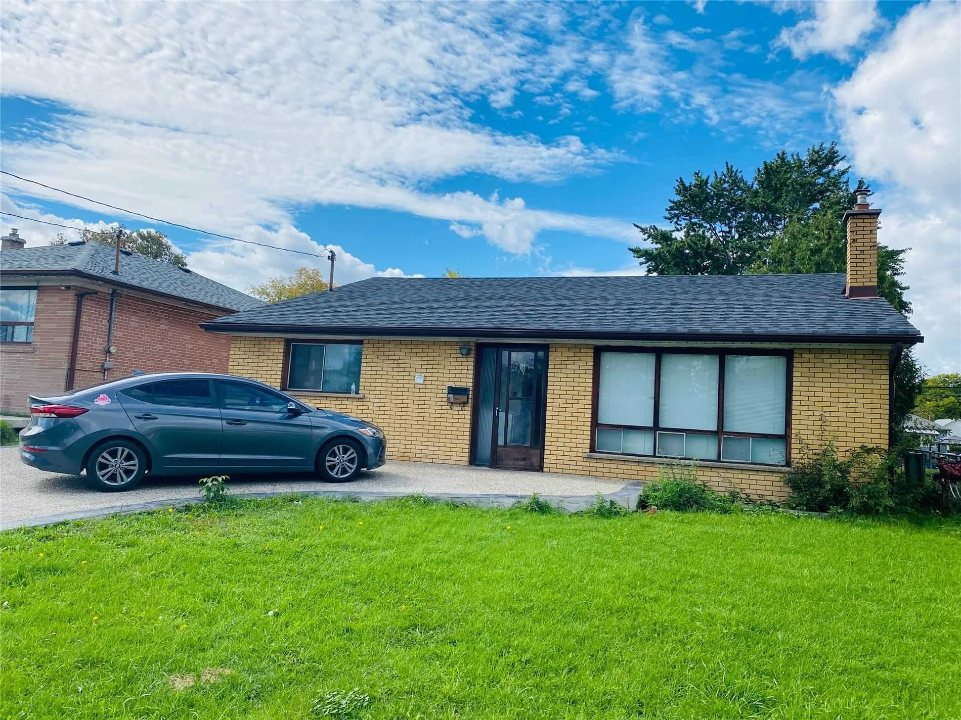7 Studley St, Mississauga, ON L4T1H9 - MLS#: W5370273