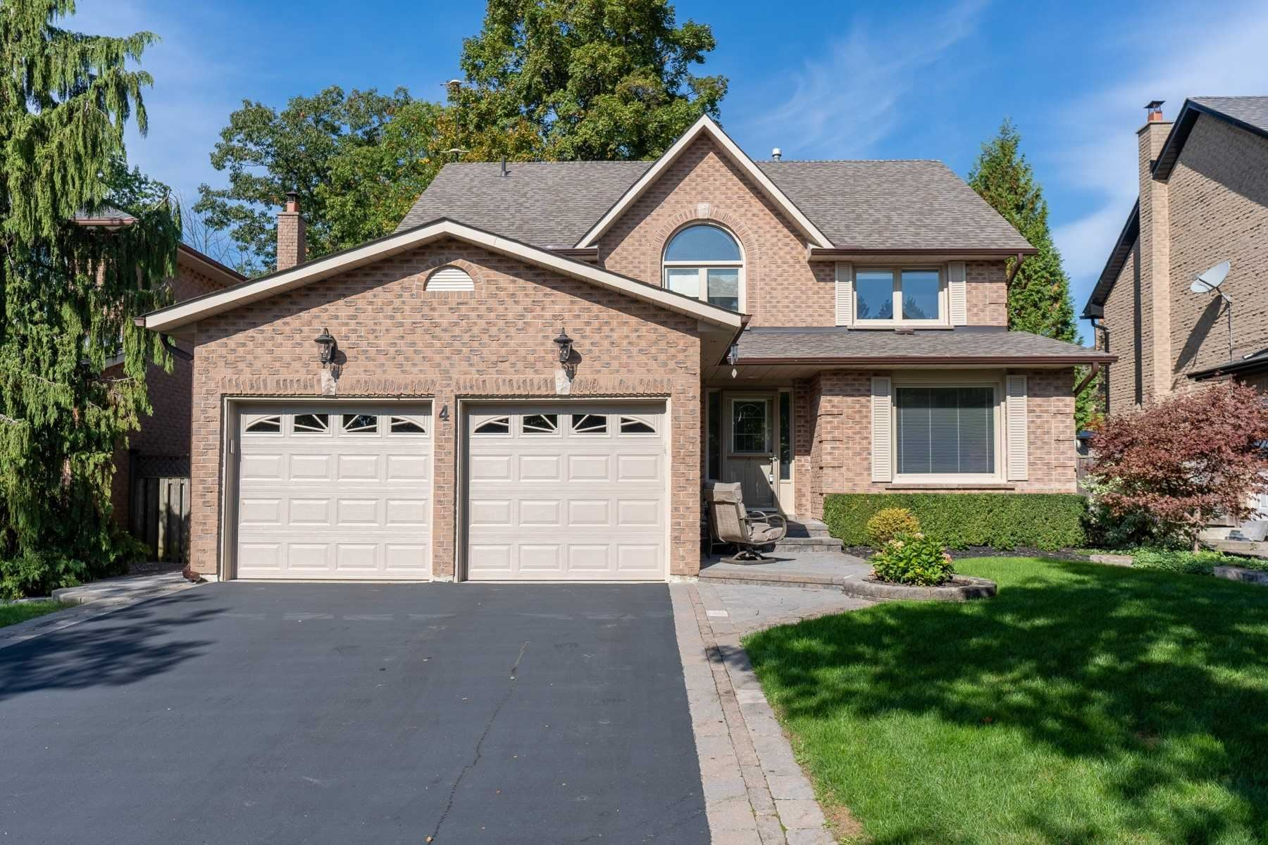 4 Vale Cres, Ajax, ON L1S5A4 - MLS#: E5406367