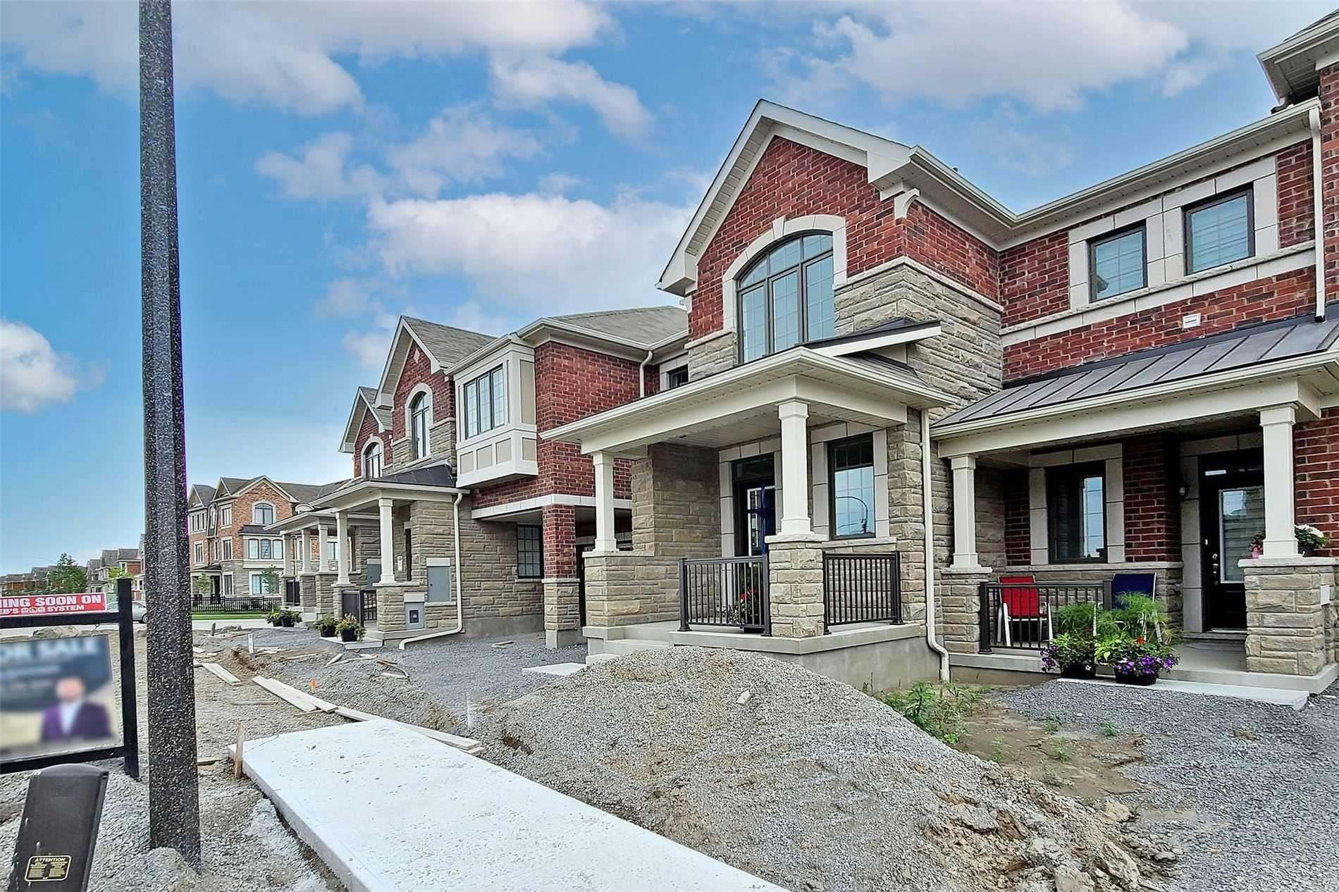 Photo of 27 Broden Cres, Whitby, ON M1X2C3 (MLS # E5325405)