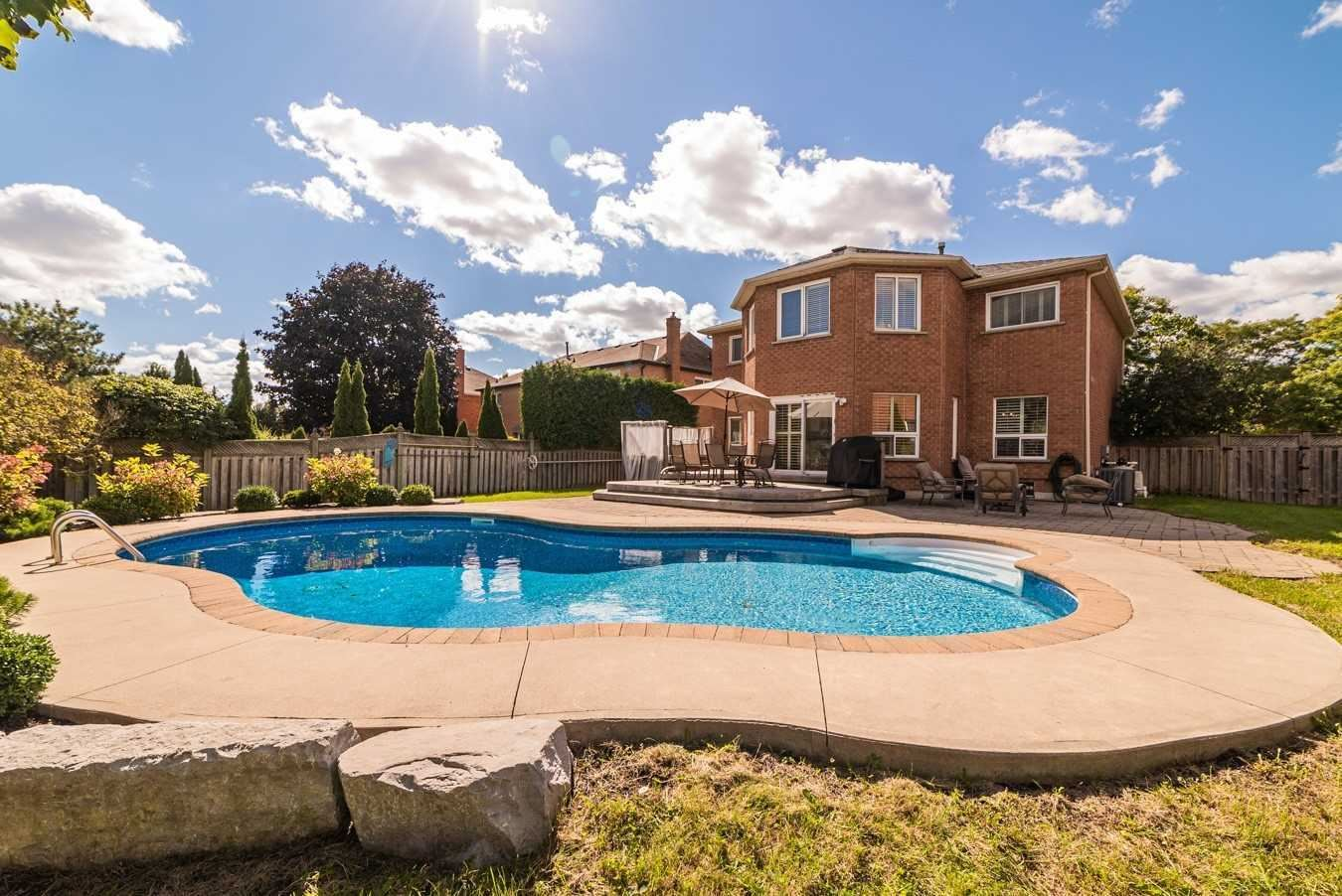 22 Woodhaven Cres, Whitby, ON L1R1R1 - MLS#: E5388577